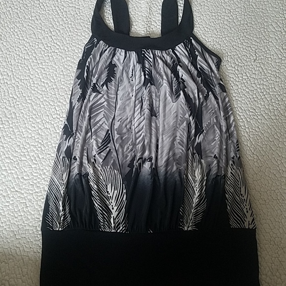unknown Tops - Gray and black blouse tank